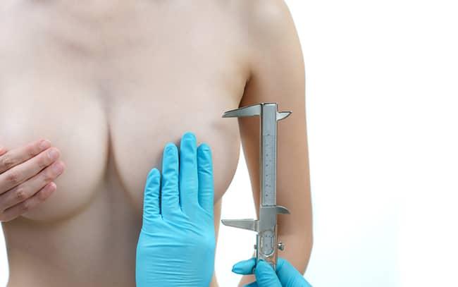 Zmenšení a modelace prsou