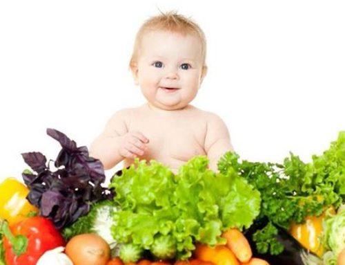 Jaká je vhodná strava při kojení aneb co ovlivňuje dítě a matku?
